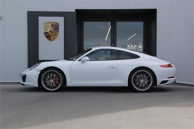 2017 Porsche 911 Carrera S Coupe