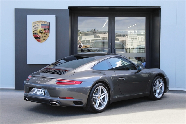 2018 Porsche 911 Carrera Coupe